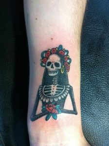 calaveras mexicanas tattoo tatuajes 6 • 2020 » calaveras-mexicanas-tattoo-tatuajes (6) 3