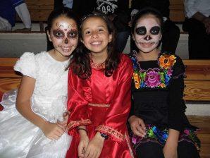 catrin niña catrin niño 1 • 2020 » 30 Ideas para Maquillaje de Catrinas para niñas 3