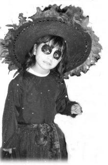 catrin niña catrin niño 10 • 2020 » 30 Ideas para Maquillaje de Catrinas para niñas 9