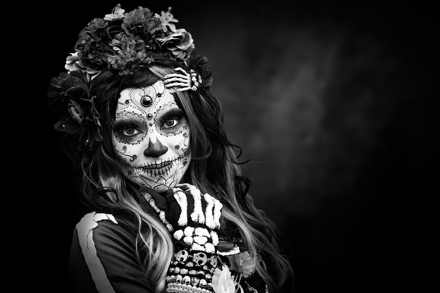 comomaquillarsedecatrina 28 1 • 2020 » 75 Ideas Geniales de Maquillajes de Catrinas Mexicanas 6