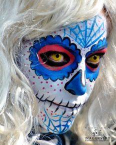 comomaquillarsedecatrina 32 • 2020 » 75 Ideas Geniales de Maquillajes de Catrinas Mexicanas 55