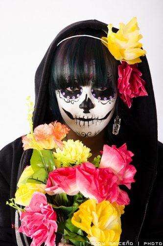 comomaquillarsedecatrina 34 • 2020 » 75 Ideas Geniales de Maquillajes de Catrinas Mexicanas 53