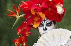 comomaquillarsedecatrina 38 • 2020 » 75 Ideas Geniales de Maquillajes de Catrinas Mexicanas 49