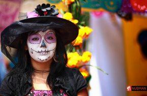 comomaquillarsedecatrina 4 • 2020 » 75 Ideas Geniales de Maquillajes de Catrinas Mexicanas 47