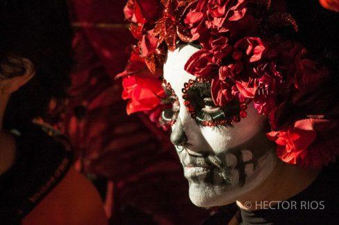 comomaquillarsedecatrina 41 • 2020 » 75 Ideas Geniales de Maquillajes de Catrinas Mexicanas 36