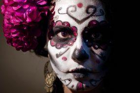 comomaquillarsedecatrina 46 • 2020 » 75 Ideas Geniales de Maquillajes de Catrinas Mexicanas 43