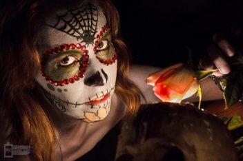 comomaquillarsedecatrina 5 • 2020 » 75 Ideas Geniales de Maquillajes de Catrinas Mexicanas 4