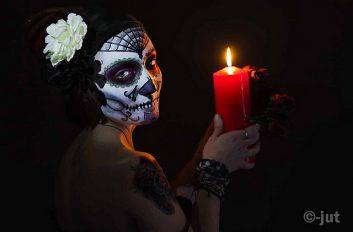 comomaquillarsedecatrina 8 • 2020 » 75 Ideas Geniales de Maquillajes de Catrinas Mexicanas 39