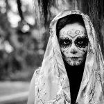 comomaquillarsedecatrina 9 » 75 Ideas Geniales de Maquillajes de Catrinas Mexicanas 39