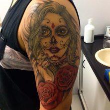 tatuajescatrina 16 • 2020 » 97 Geniales Tatuajes de Catrinas (+Significados) Catrina Tattoo 11