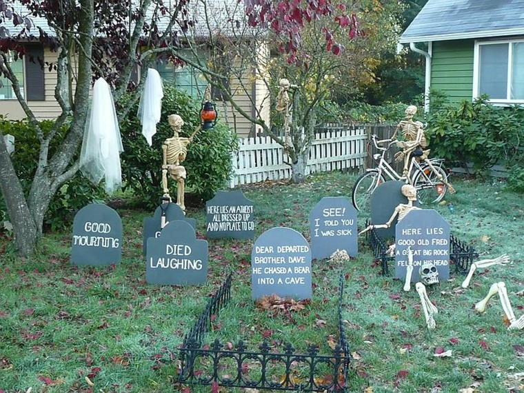 decoracion-de-las-puertas-de-casa-en-halloween-18