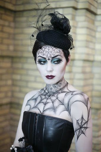 disfraces caseros para halloween mujeres reina gotica