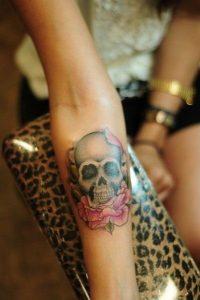 tatuajes calaveras con rosas 1 » tatuajes-calaveras-con-rosas-1 3