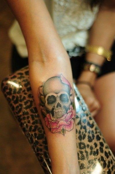 tatuajes calaveras con rosas 1 » 30 Tatuajes de Calaveras para inspirarte 2