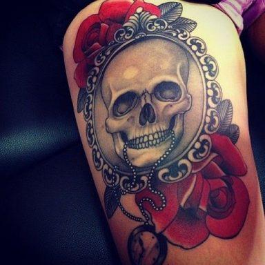 tatuajes calaveras con rosas 3 • 2020 » 30 Tatuajes de Calaveras para inspirarte 3