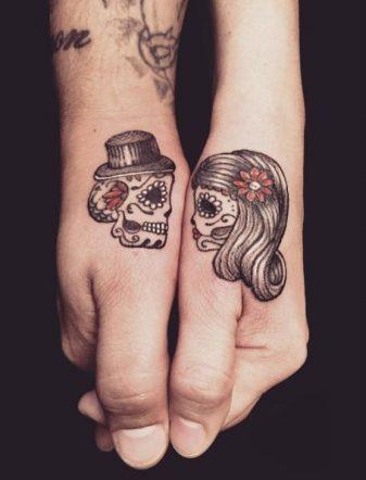 tatuajes calaveras parejas 1 • 2020 » 30 Tatuajes de Calaveras para inspirarte 20