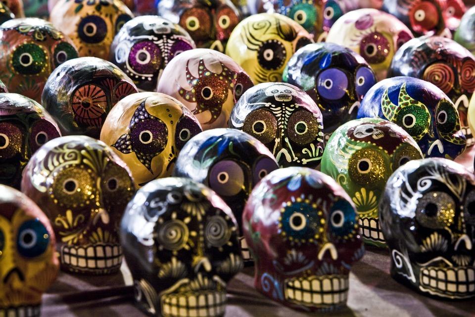 dia de los muertos altares flores 7 • 2020 » Día de los Muertos: Ofrendas, Decoraciones de altares y más 8